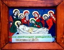 ICO-0010 - Pret 60 € Glass icon Put the in under the sord his Iisus Cristos. Icon on glass painted in oil with gold-foil;Size:26cm/22 cm. (without frame). Icoana pe sticla Punerea in mormant a lui Iisus Cristos. Icoana pe sticla pictata in ulei cu foita de aur;Dimensiuni:26cm/22 cm. (fara rama).