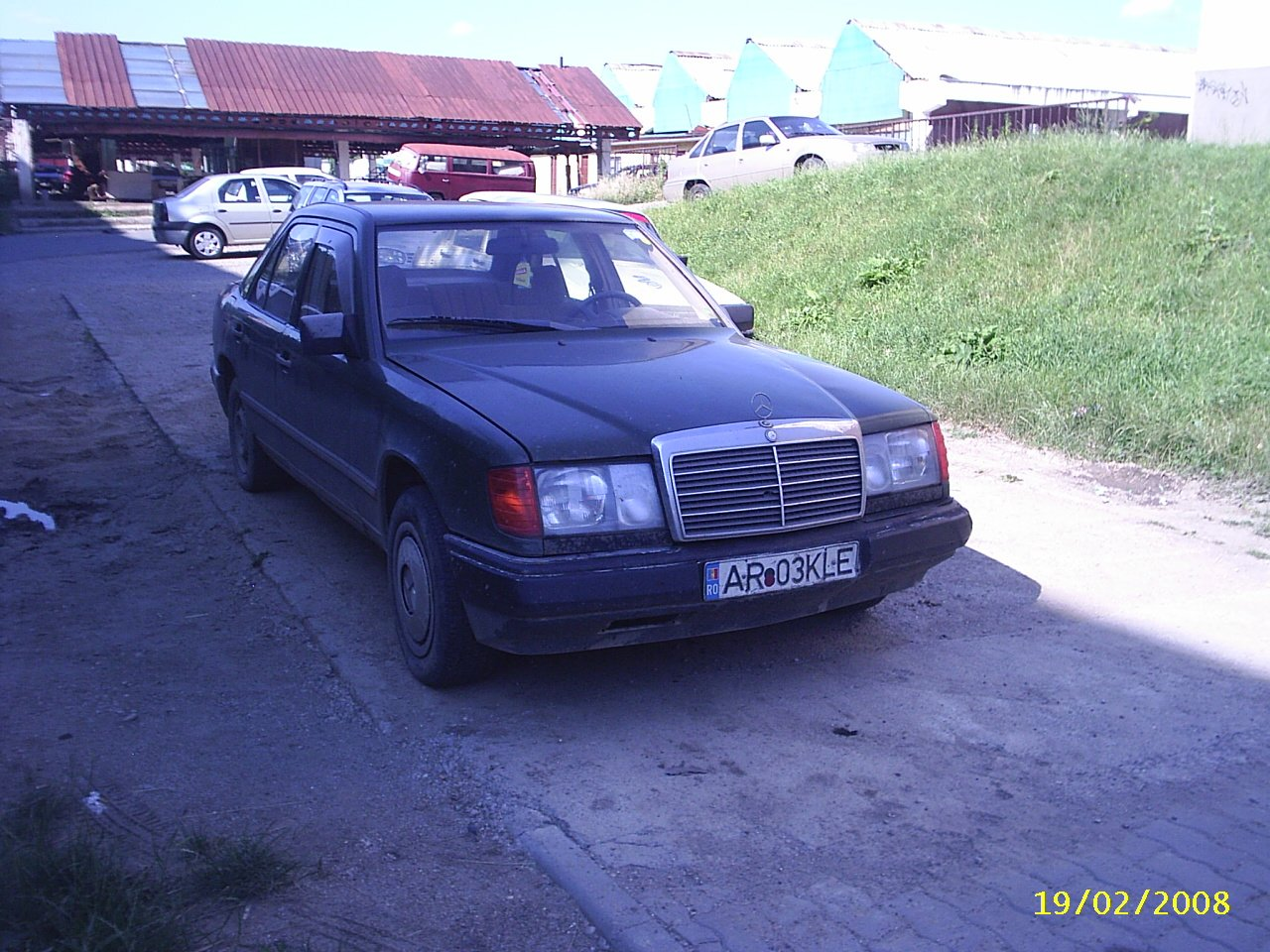 MERCEDES 250D  - AUTOMATIC  an 1984 - 1500 EURO