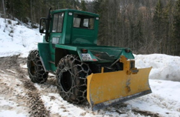 MB TRAC 700  - FORESTIER,AN 1974 PRET 13000 EURO